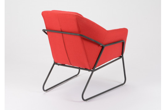 Fauteuil filaire rouge